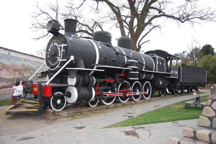 Train des nuages la vieille locomotive
