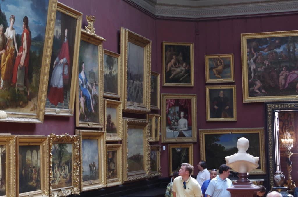 CHANTILLY La galarie de peintures