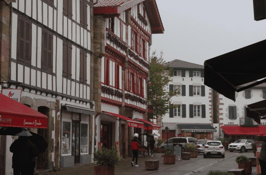 A la découverte du Pays Basque.Espelette