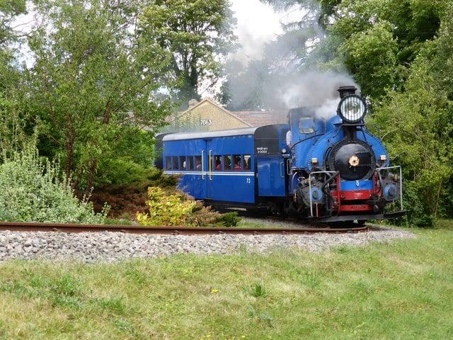 LES TRAJET EN TRAIN AUTOUR DU MONDE le Darjeeling Himalayan Railway