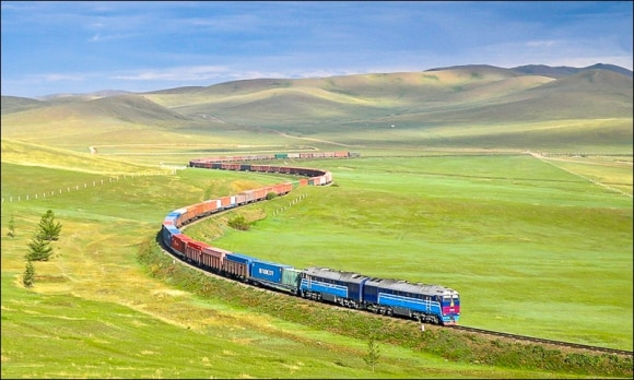 le plus long trajet en train le transmogolien
